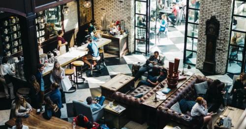 3 Tempat Makan Kekinian di Surabaya. Wajib Coba!