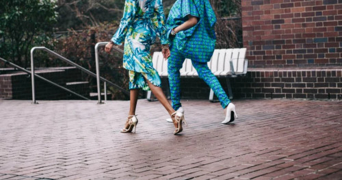 5 Sepatu Wanita Casual Brand Lokal yang Modis Pilihan GLITZMEDIA.CO