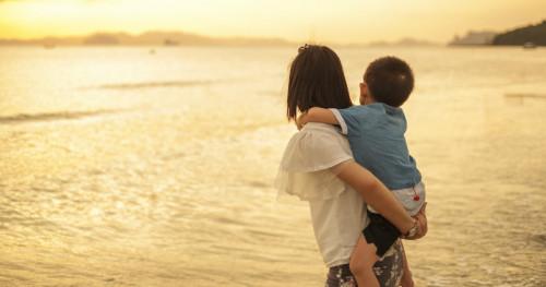 5 Dampak Jika Terlalu Protektif Pada Anak