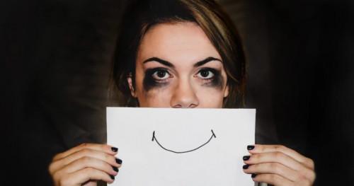 5 Fase Kesedihan Seseorang: Menarik Diri dari Seseorang Hingga Depresi