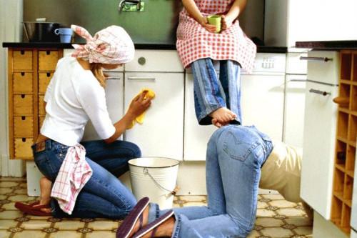 5 Pertanyaan Yang Sering Muncul Saat Membersihkan Noda Di Dalam Rumah