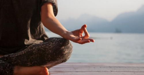 8 Alasan Meditasi Bisa Kurangi Stres dan Cegah Depresi