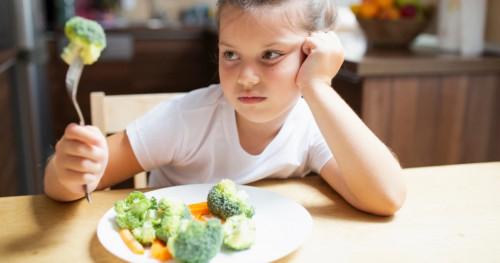 8 Tips Agar Anak Mau Makan Makanan Sehat