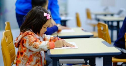 8 Tips Agar Si Kecil Tidak Rewel Saat Masuk Sekolah Pertama Kali