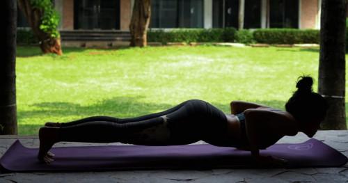 Ayo, Coba 5 Menit Olahraga Efektif di Rumah!