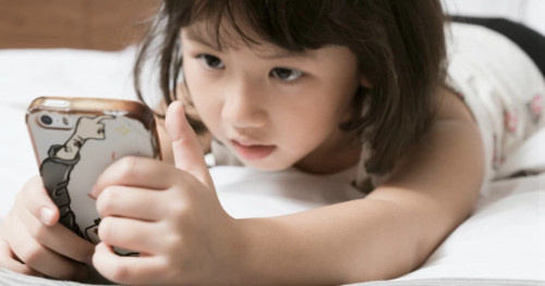 Berapa Batasan Waktu Ideal Anak Bermain Gadget?