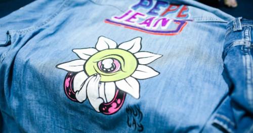 Brand Pepe Jeans Suguhkan Kolaborasi dengan Seniman Muklay