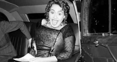 Cara Adele Menyambut Usia 30 Tahun