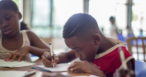 Simak Cara Mengatasi Anak Mogok Mengerjakan PR, di sini!