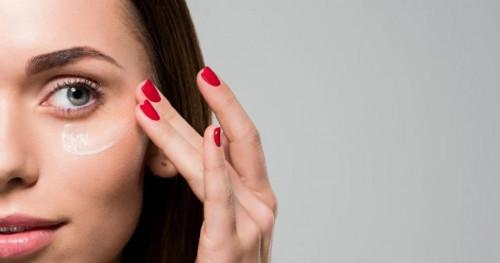 4 Cara Menghilangkan Kerutan di Bawah Mata