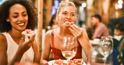 Hindari Makanan ini sebagai Cara Mengurangi Minyak pada Kulit
