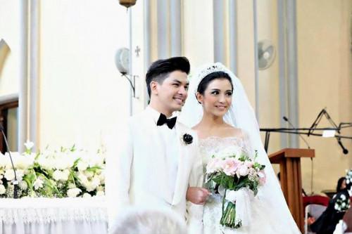 Chelsea Olivia Dan Glenn Alinskie Mengikat Janji Suci Di Gereja Katerdral