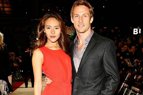 Cincin Pertunangan Jessica Michibata dan Jenson Button Senilai IDR 520 Juta Dirampok