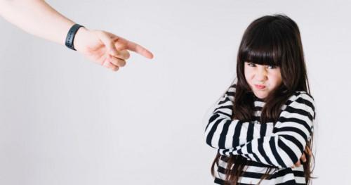 Sebaiknya Hindari, Inilah 5 Dampak Buruk Memarahi Anak di Depan Umum