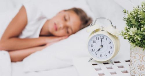 Hati-hati, Ada 4 Dampak Negatif Jika Anak Sering Tidur Larut Malam