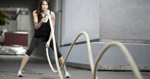 Dapatkan 4 Manfaat dari Olahraga Battle Ropes