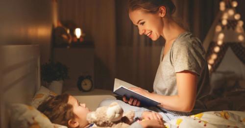 Rekomendasi 3 Dongeng Sebelum Tidur yang Bisa Anda Bacakan untuk Si Kecil