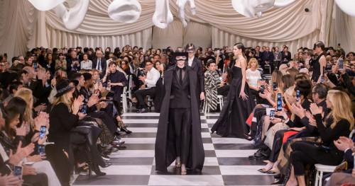 Evolusi Busana Couture di Pekan Mode Paris 2018