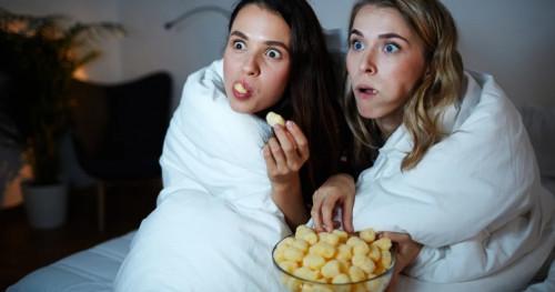 Jangan Dilakukan, Hindari 6 Kebiasaan Buruk di Malam Hari yang Bisa Membuat Berat Badan Naik!