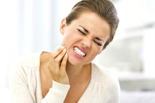 Jika Membiarkan Gigi Berlubang, 6 Hal Ini Akan Mengancam Kesehatan Anda