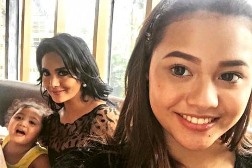 Kelanjutan Konflik Curahan Hati Krisdayanti dan Kedua Anaknya, Aurel - Azriel Di Sosial Media