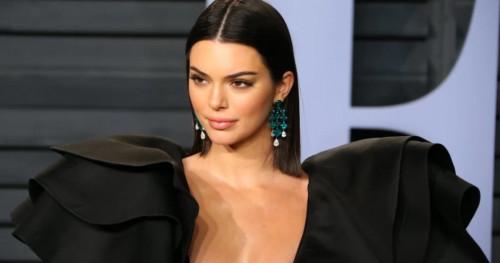 Tampil Glamor ala Kendall Jenner