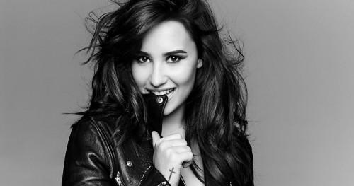 Kepedulian Demi Lovato Terhadap Para Penggemarnya