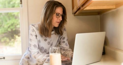 Nikmatnya Kerja dari Rumah, Berikut Keuntungan yang Bisa Anda Dapatkan