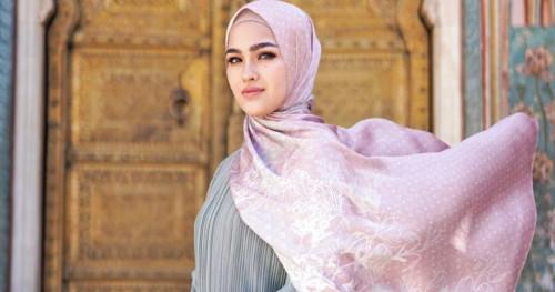 Kolaborasi Buttonscarves dengan Aktris Malaysia untuk Koleksi Ramadan