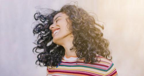 Lakukan 4 Kebiasaan Ini untuk Melatih Otak Agar Selalu Berpikir Positif