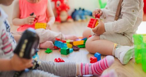 Seru dan Edukatif, Berikut Beberapa Jenis Mainan Anak 1 Tahun