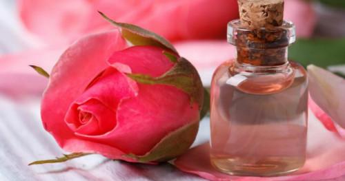 Manfaat Menakjubkan dari Air Mawar untuk Kulit dan Wajah