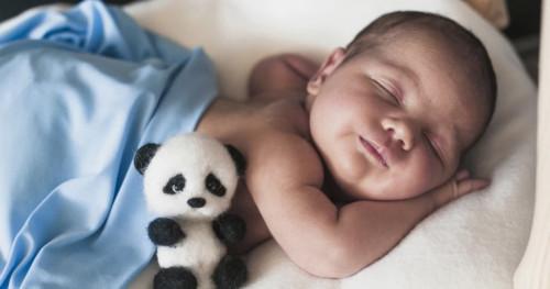 5 Cara Tepat Mengatasi Perut Kembung pada Bayi