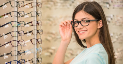 3 Merek Lensa Kacamata Terbaik