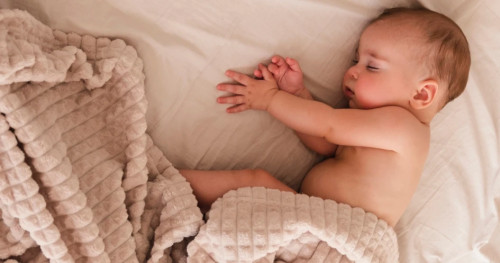 Moms, Ketahui Penyebab Bayi Sering Terkena Batuk dan Pilek