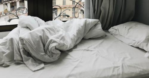 Perhatikan Bahan Selimut Agar Tidur Lebih Nyenyak