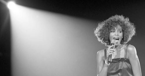 Rahasia Kelam Whitney Houston Terkuak dalam Film Dokumenter