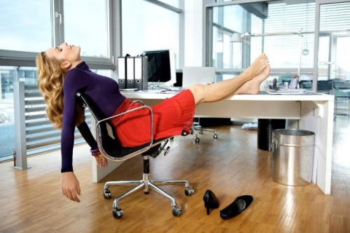 Rekan Kerja Anda Pemalas? Hadapi dengan 6 Cara Ini Saja, Glitzy!