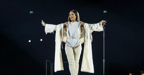 Rihanna Resmi Menjadi Duta Luar Biasa dan Berkuasa Penuh untuk Barbados