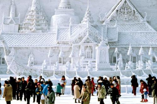 Saksikan Keindahan Festival Es dan Salju di 5 Negara Ini Bersama Keluarga