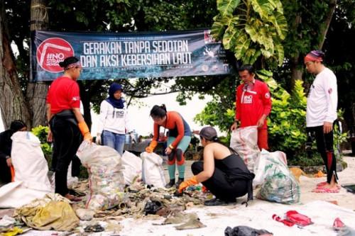 Selamatkan Kehidupan Laut Dari Limbah Sampah Plastik