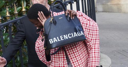 Sindiran Halus Pada Kampanye Terbaru Balenciaga
