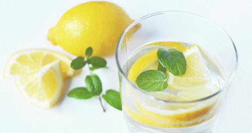 Singkirkan Bau Badan dengan Perasan Buah Lemon