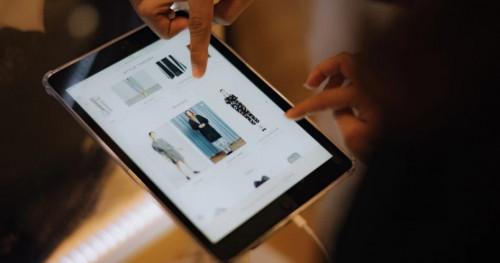 Style Theory: Aplikasi Peminjaman Busana Desainer & Brand Ternama