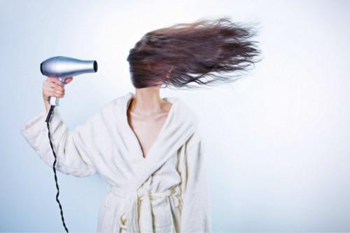 Tanpa Disadari, Tiga Kebiaaan Ini Menyebabkan Rambut Rontok
