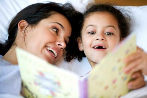 Ternyata, Mendongeng Memiliki Banyak Manfaat Untuk Anak Selama Masa Pertumbuhan