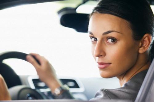Tip Berkendara Aman Untuk Wanita