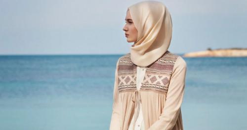 Begini Tips Memilih Warna Hijab Sesuai Undertone Kulit