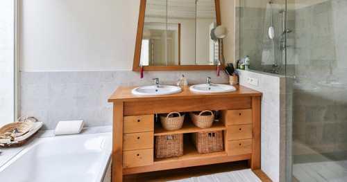 Trik Mengatasi Toilet Sempit pada Hunian