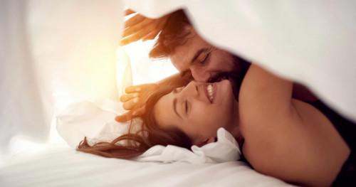 Ternyata, Pagi Hari Jadi Waktu yang Tepat untuk Berhubungan Seks